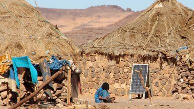 Photo of طلاب جزائريون ينجحون في ربط قرية بمدينة جانت بالكهرباء
