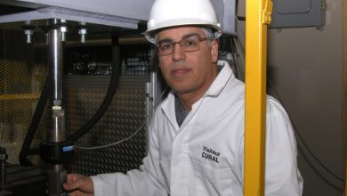 """صورة مهندس جزائري يلقب بـ""""عبقري الميكانيك"""" في كندا"""