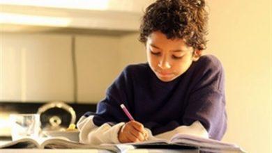 Photo of أستاذة جزائرية طلبت من تلاميذها كتابة ما يتساءلون حوله فكانت المفاجأة