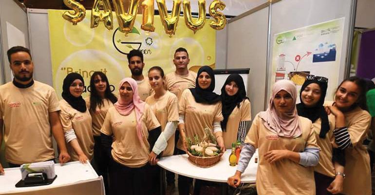 Photo of طلاب جزائريون ينتجون صابونا من تدوير النفايات المنزلية ويفوزون بجائزة أفضل تأثير اجتماعي لسنة 2018