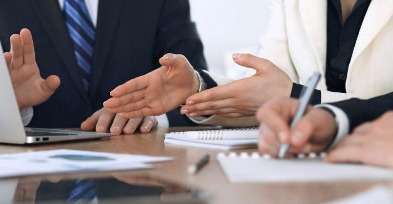 صورة الاستشارات القانونية اللازمة لإطلاق مشروعك الخاص