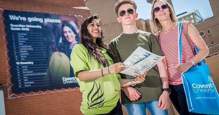 Photo of منح للطلاب الجزائريين للدراسة في بريطانيا