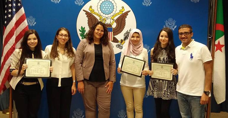 Photo of برنامج منحة رواد و رائدات الغد للطلبة الجزائريين في الجامعات الأمريكية