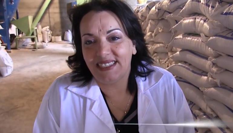 نادية مداني