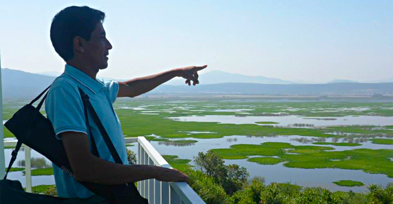 صورة جزائري يروج للسياحة البيئية على طريقة التايلنديين