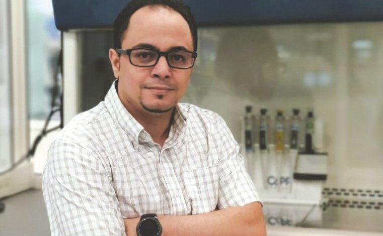 Photo of محمد بلحسين باحث جزائري عمل في مختبرات المعلوماتية الحيوية العالمية