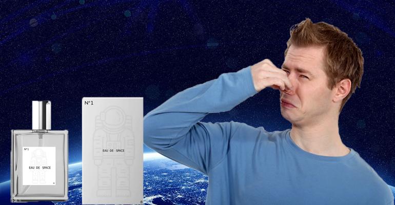 صورة عطر برائحة الفضاء من انتاج شركة ناسا لتدريب رواد الفضاء Eau de Space