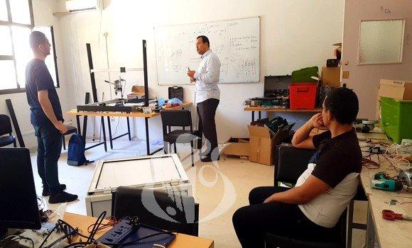 Photo of صنع جهاز للتعقيم والتطهير بالأشعة فوق البنفسجية في جامعة الشلف