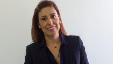 صورة باحثة جزائرية في الصناعة الصيدلانية تدير مشاريع شركات عالمية
