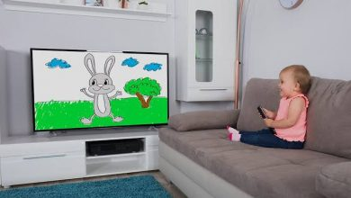 صورة هل يؤثر التلفزيون على صحة الأطفال ونموهم؟!